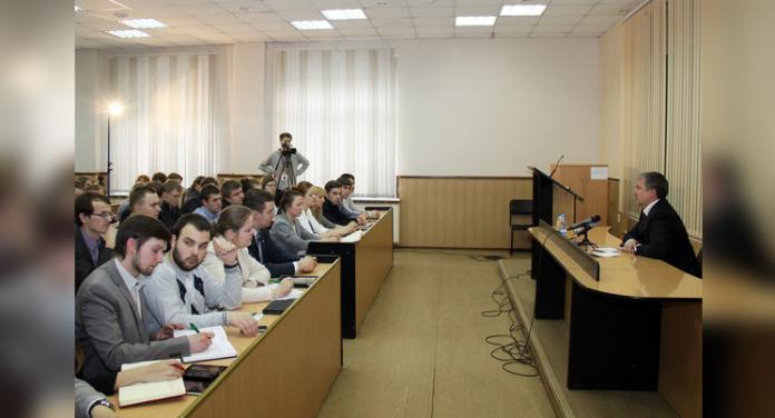 Встреча главы Карелии Александра Худилайлнена с молодёжью республики