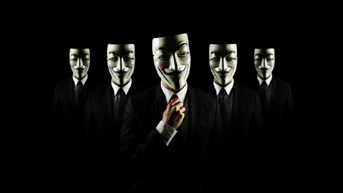 Группа неизвестных под масками Гая Фокса