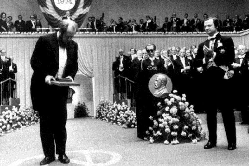 А. Солженицын на вручении Нобелевской премии 1970 года в 1974 году