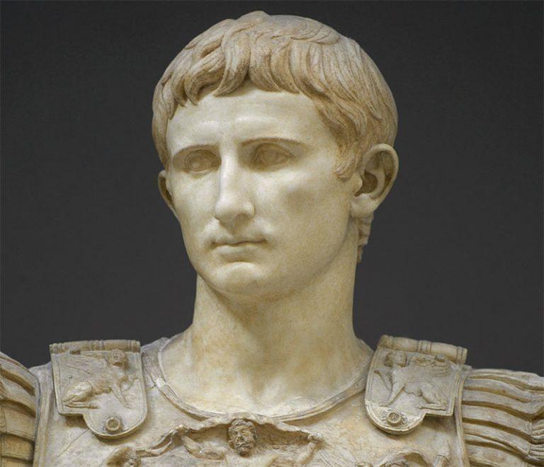 Античная римская статуя Октавиана Августа