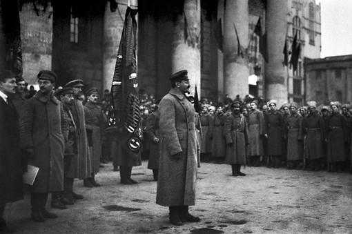 Лев Троцкий на одном из своих выступлений