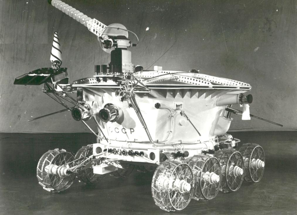 kosmonavtika-10
