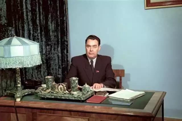 Л.И. Брежнев 1954 — 55 годы-01