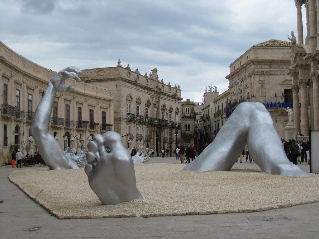 Скульптурная композиция «Пробуждение» (The Awakening). Сиракузы, Италия (2009)