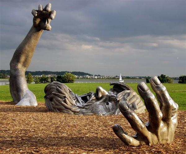 Скульптурная композиция «Пробуждение» (The Awakening). Hains Point, USA (2007)