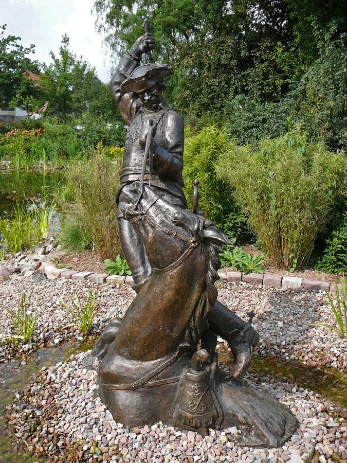 памятник Мюнхаузену в Боденвердере
