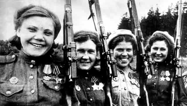 Комсомолки в годы ВОВ